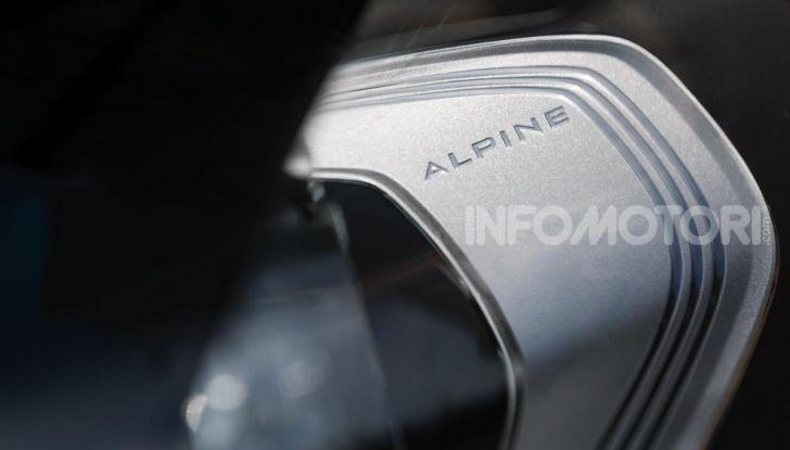 Prova Alpine A110: i cinque motivi per avere il piccolo gioiello francese - Foto 8 di 45