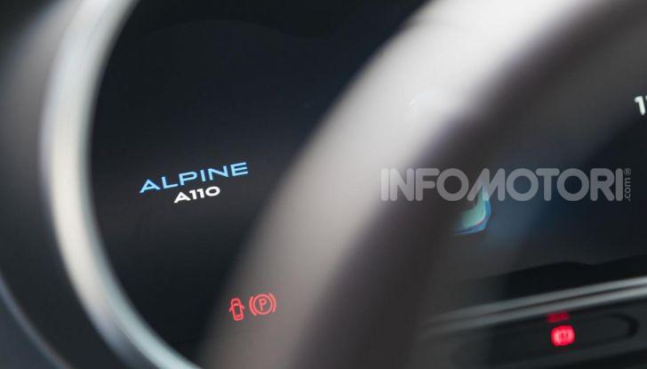 Prova Alpine A110: i cinque motivi per avere il piccolo gioiello francese - Foto 30 di 45