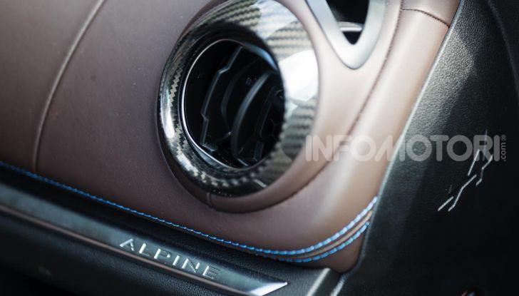Prova Alpine A110: i cinque motivi per avere il piccolo gioiello francese - Foto 34 di 45