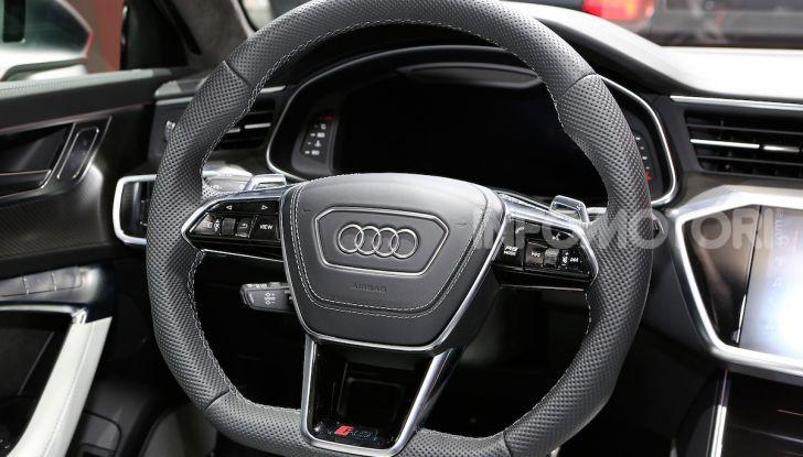 Audi RS6 Avant: un po' station wagon un po' supercar - Foto 22 di 23