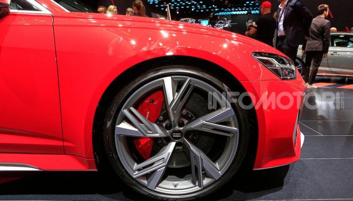 Audi RS6 Avant: un po' station wagon un po' supercar - Foto 12 di 23