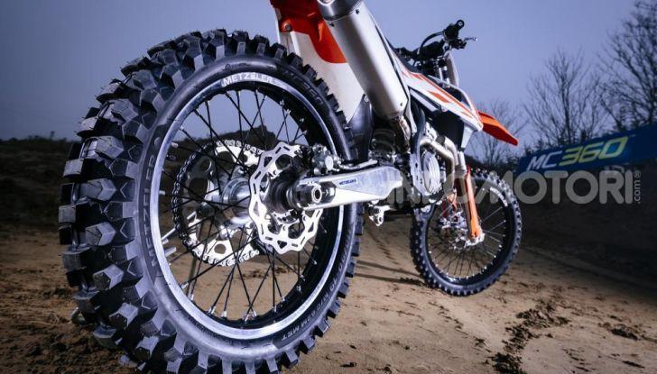Come sono i fatti i pneumatici moto da enduro e motocross