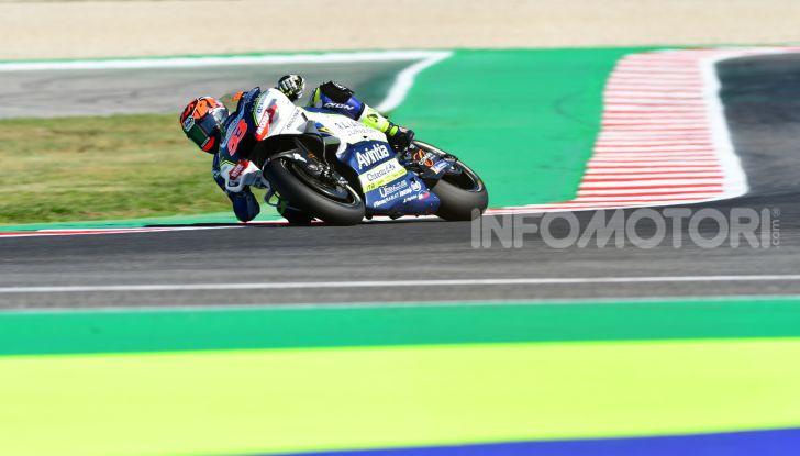 MotoGP 2019, GP di San Marino: Yamaha al top nelle libere di Misano, Vinales il più veloce - Foto 14 di 35