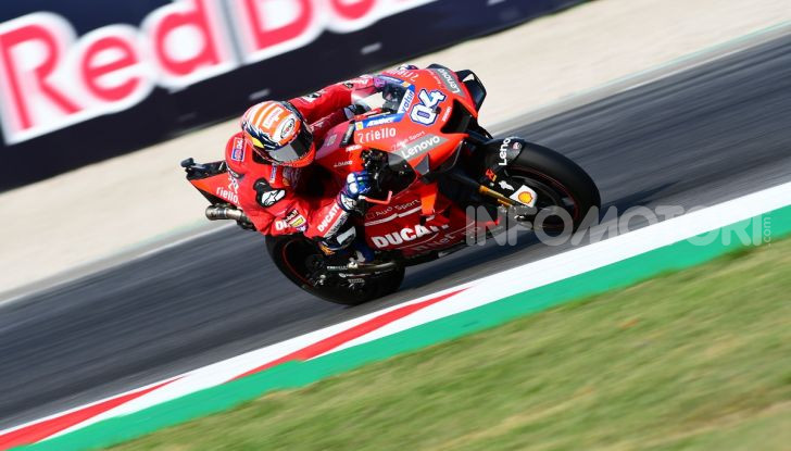 MotoGP 2019: Marquez vince a Misano in volata su Quartararo, terzo Vinales davanti a Rossi - Foto 12 di 35