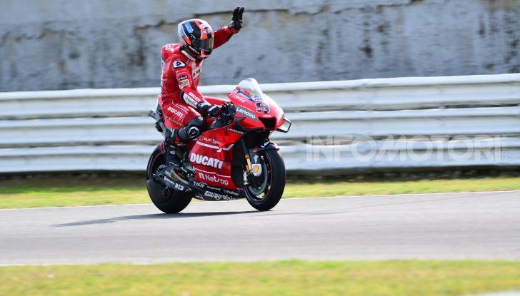 MotoGP 2019: Marquez vince a Misano in volata su Quartararo, terzo Vinales davanti a Rossi - Foto 16 di 35