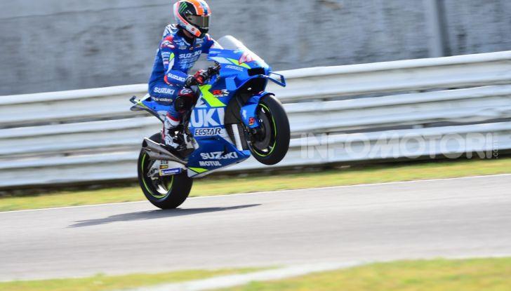 MotoGP 2019: Marquez vince a Misano in volata su Quartararo, terzo Vinales davanti a Rossi - Foto 19 di 35
