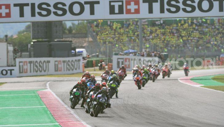 MotoGP 2019: Marquez vince a Misano in volata su Quartararo, terzo Vinales davanti a Rossi - Foto 34 di 35