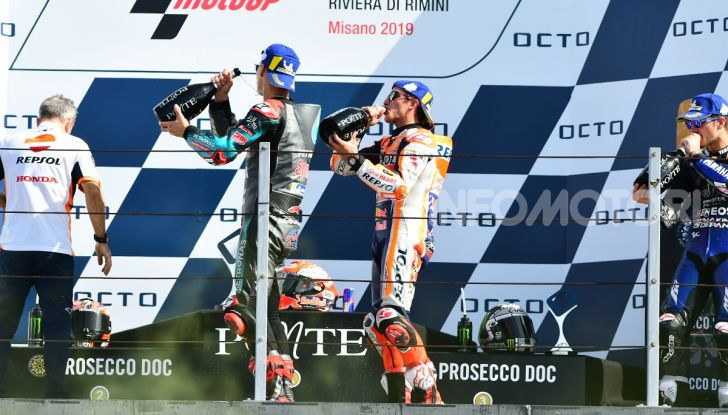 MotoGP 2019: Marquez vince a Misano in volata su Quartararo, terzo Vinales davanti a Rossi - Foto 31 di 35