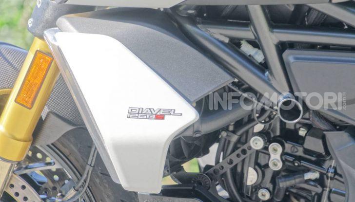 Prova video Ducati Diavel 1260S, un diavolo come nessun'altra - Foto 15 di 43