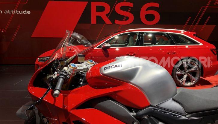 DucatiPanigale V4 R: la rossa a due ruote pronta a conquistare Francoforte - Foto 6 di 8