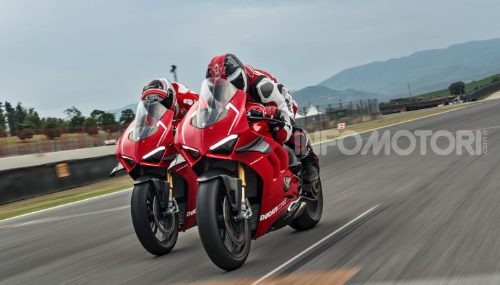 DucatiPanigale V4 R: la rossa a due ruote pronta a conquistare Francoforte - Foto 8 di 8