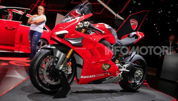 DucatiPanigale V4 R: la rossa a due ruote pronta a conquistare Francoforte - Foto 2 di 8