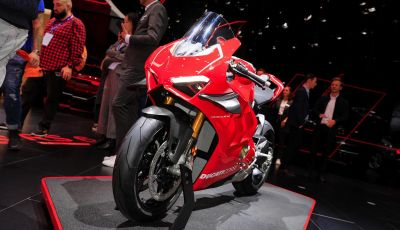 DucatiPanigale V4 R: la rossa a due ruote pronta a conquistare Francoforte