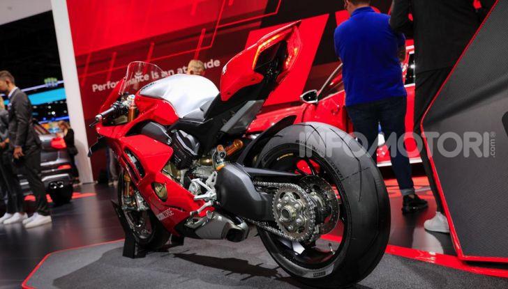 DucatiPanigale V4 R: la rossa a due ruote pronta a conquistare Francoforte - Foto 3 di 8