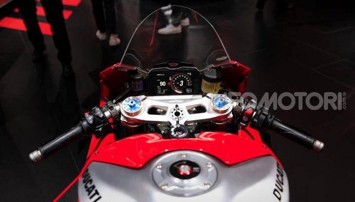 DucatiPanigale V4 R: la rossa a due ruote pronta a conquistare Francoforte - Foto 5 di 8