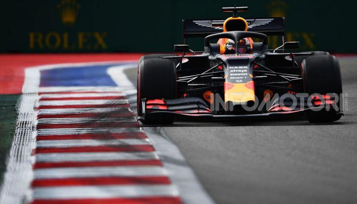 F1 2019, GP di Russia: Verstappen brilla nelle libere di Sochi e mette in riga Leclerc - Foto 12 di 13