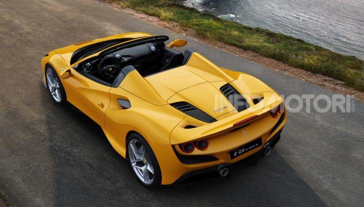 Ferrari F8 Spider: l'urlo dei 720CV a cielo aperto - Foto 13 di 16