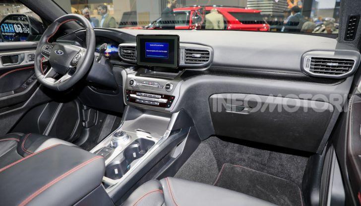 Ford Explorer Plug-In Hybrid: 7 posti, 450 CV e poche emissioni - Foto 6 di 7