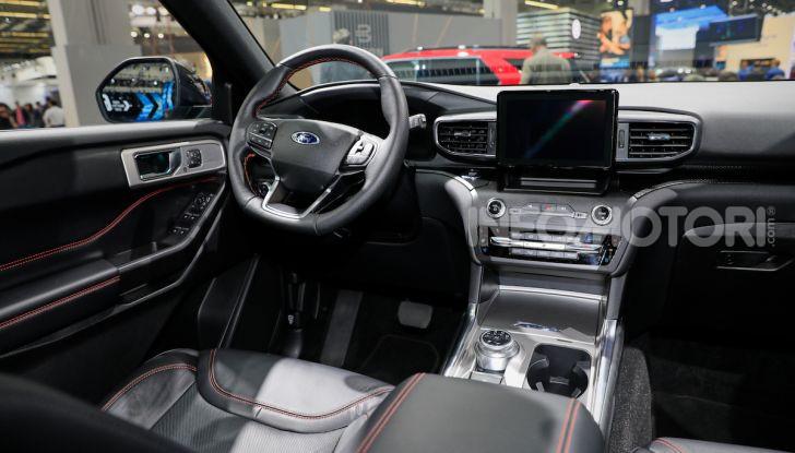 Ford Explorer Plug-In Hybrid: 7 posti, 450 CV e poche emissioni - Foto 7 di 7