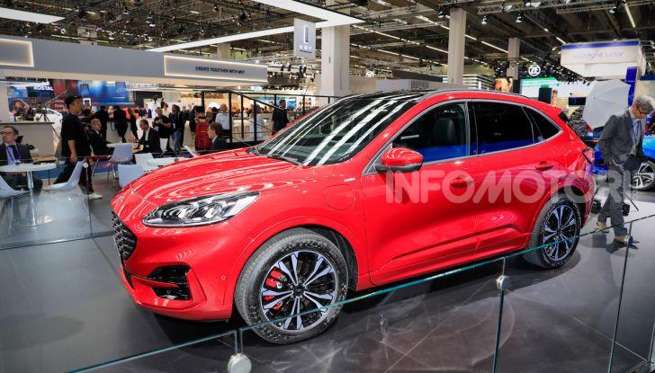 Ford Kuga: la terza generazione è più tecnologica e ibrida - Foto 4 di 14
