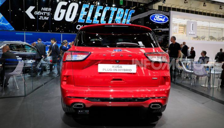 Ford Kuga: la terza generazione è più tecnologica e ibrida - Foto 6 di 14