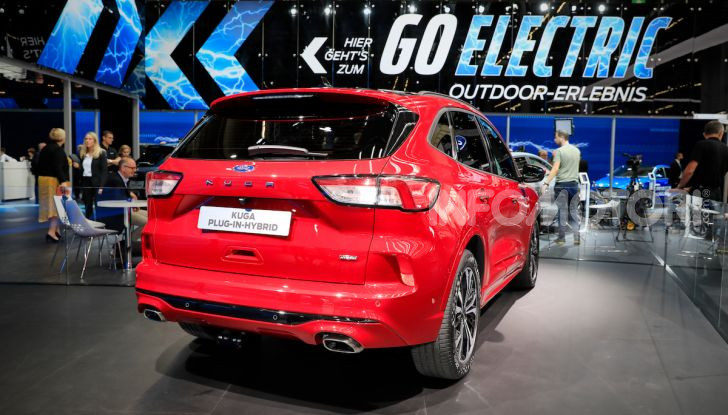 Ford Kuga: la terza generazione è più tecnologica e ibrida - Foto 7 di 14