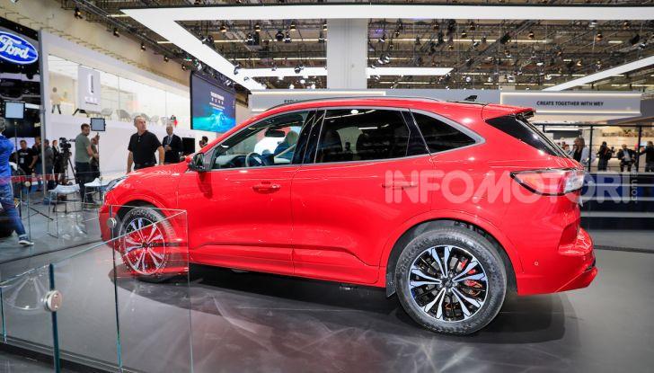 Ford Kuga: la terza generazione è più tecnologica e ibrida - Foto 8 di 14