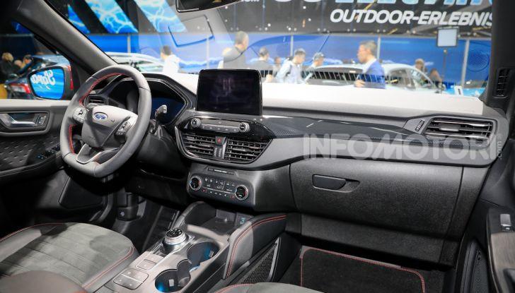 Ford Kuga: la terza generazione è più tecnologica e ibrida - Foto 9 di 14