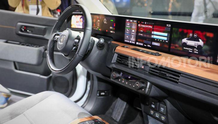 Honda e: tutto quello che sappiamo sulla citycar elettrica retrò - Foto 10 di 35