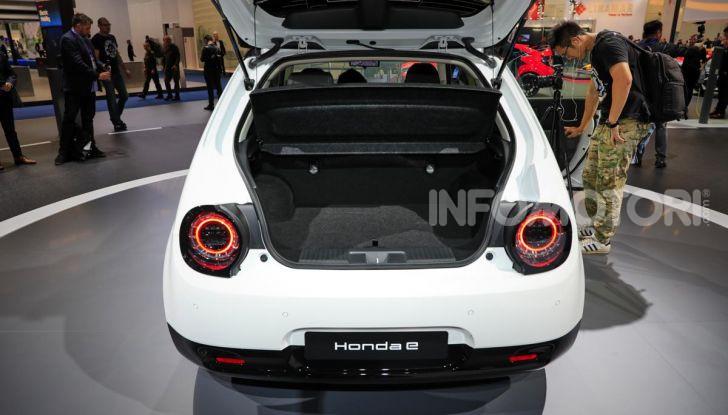Honda e: tutto quello che sappiamo sulla citycar elettrica retrò - Foto 14 di 35