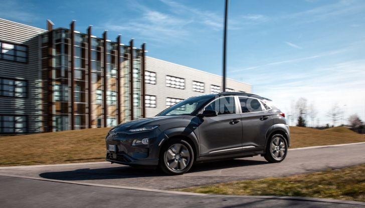 Hyundai Kona Electric: il SUV compatto a zero emissioni a 299€ al mese - Foto 2 di 4