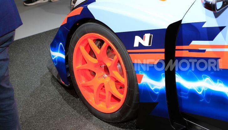 Hyundai Veloster N ETCR: l'elettrica da corsa per il Mondiale Turismo a zero emissioni - Foto 6 di 12