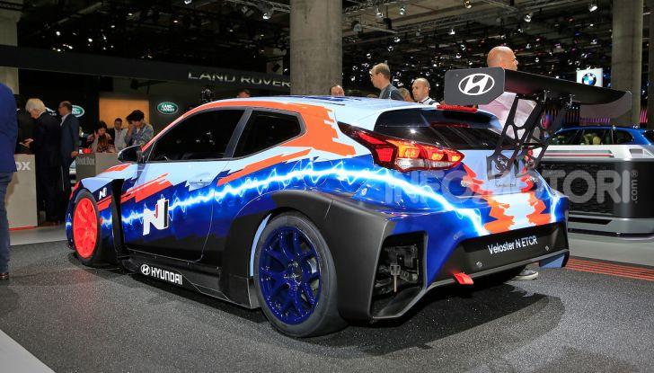 Hyundai Veloster N ETCR: l'elettrica da corsa per il Mondiale Turismo a zero emissioni - Foto 7 di 12