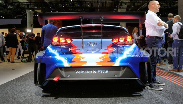 Hyundai Veloster N ETCR: l'elettrica da corsa per il Mondiale Turismo a zero emissioni - Foto 8 di 12