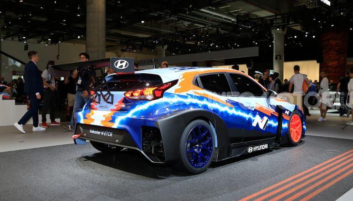 Hyundai Veloster N ETCR: l'elettrica da corsa per il Mondiale Turismo a zero emissioni - Foto 10 di 12