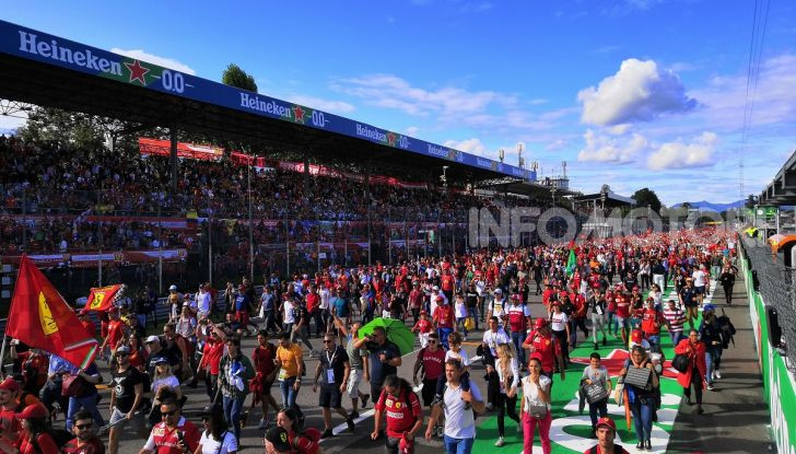 F1: l'Autodromo di Monza diventa un cinema drive-in - Foto 99 di 103