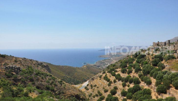 Viaggi in moto, Grecia: il giro del Peloponneso con una Suzuki V-Strom 1000 XT - Foto 9 di 43