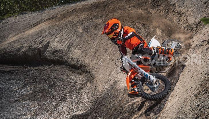 KTM lancia la minicross elettrica SX-E 5 - Foto 1 di 5