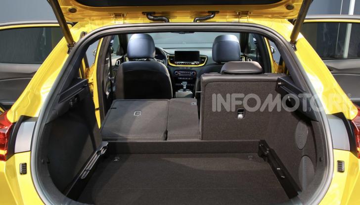 Kia XCeed, il nuovo crossover utility vehicle che fa concorrenza ai SUV - Foto 4 di 6