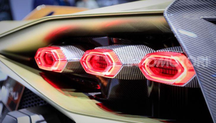 Lamborghini Sian: l'ibrida di Sant'Agata è un fulmine da 819CV - Foto 14 di 45