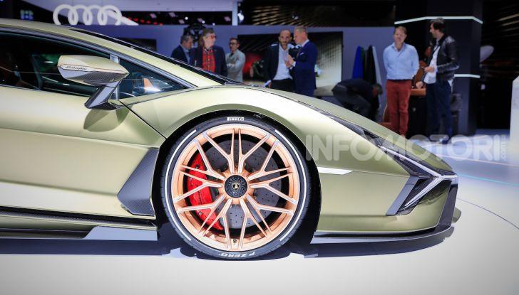 Lamborghini Sian: l'ibrida di Sant'Agata è un fulmine da 819CV - Foto 16 di 45