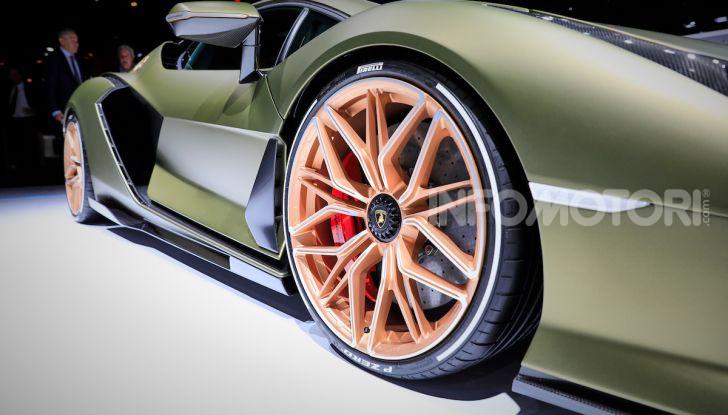 Lamborghini Sian: l'ibrida di Sant'Agata è un fulmine da 819CV - Foto 19 di 45