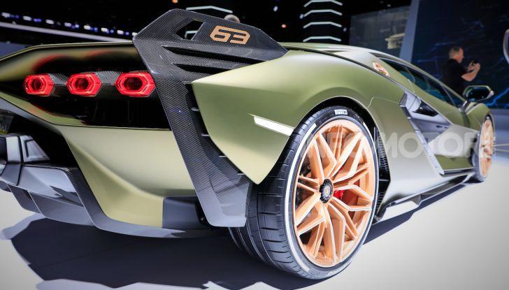 Lamborghini Sian: l'ibrida di Sant'Agata è un fulmine da 819CV - Foto 32 di 45