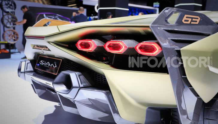 Lamborghini Sian: l'ibrida di Sant'Agata è un fulmine da 819CV - Foto 34 di 45