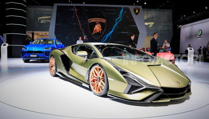 Lamborghini Sian: l'ibrida di Sant'Agata è un fulmine da 819CV - Foto 18 di 45