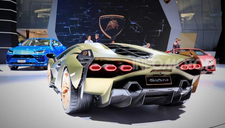 Lamborghini Sian: l'ibrida di Sant'Agata è un fulmine da 819CV - Foto 28 di 45