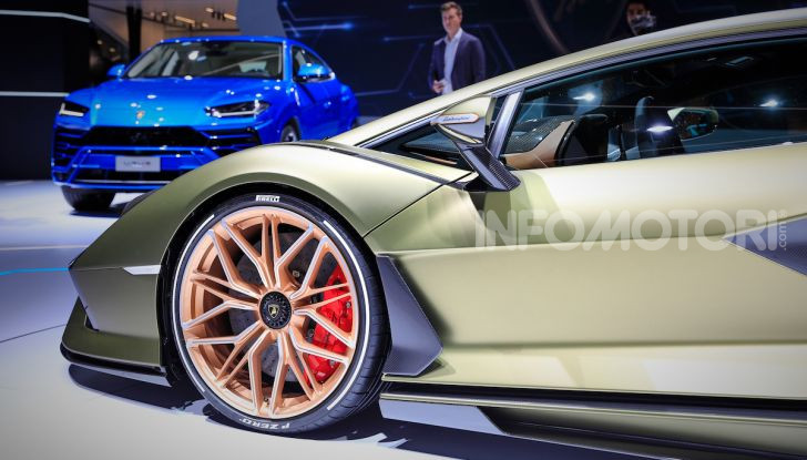 Lamborghini Sian: l'ibrida di Sant'Agata è un fulmine da 819CV - Foto 41 di 45