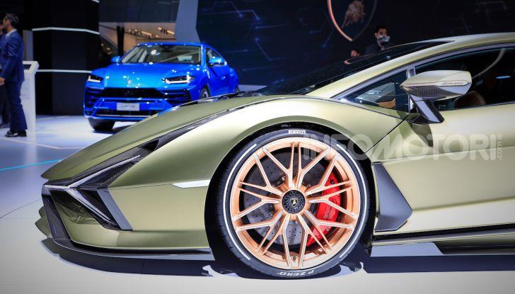 Lamborghini Sian: l'ibrida di Sant'Agata è un fulmine da 819CV - Foto 42 di 45