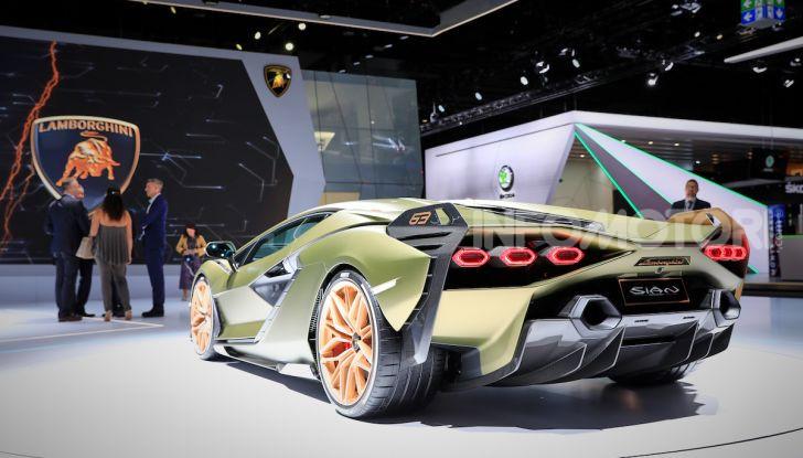 Lamborghini Sian: l'ibrida di Sant'Agata è un fulmine da 819CV - Foto 8 di 45