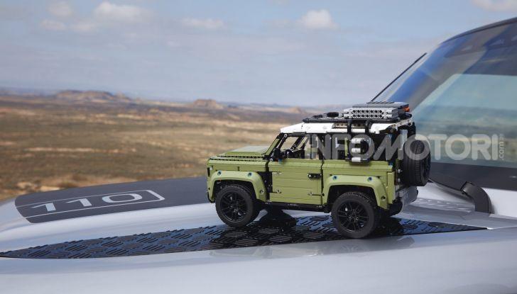 Land Rover Defender LEGO Technic in vendita dal 1 ottobre a 179€ - Foto 3 di 13